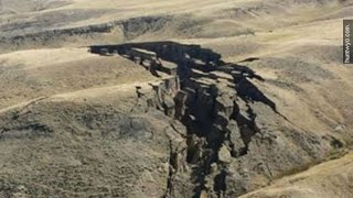 Giant Crack In The Earth Mysteriously Appears In Wyoming - Newsy