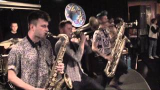 Lucky Chops - medley Funky Town / Bad Romance/ I Feel Good 4/17/15