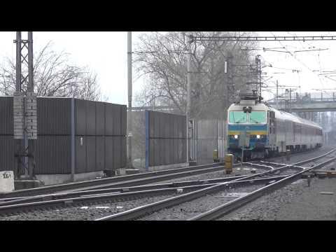 350.004-8 ZSSK Hugo na vlaku EC 220