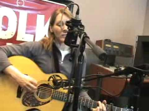 Diana Jones - Pretty Girl - FolkAlley.com