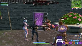 Bug to get resources out of vending machines in Fortnite