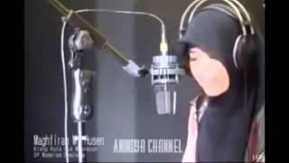 Video Suara Merdu Bacaan Al quran Gadis Aceh yang Hebohkan Dunia Maya !! Bikin MERINDING download MP3, 3GP, MP4, WEBM, AVI, FLV Februari 2018