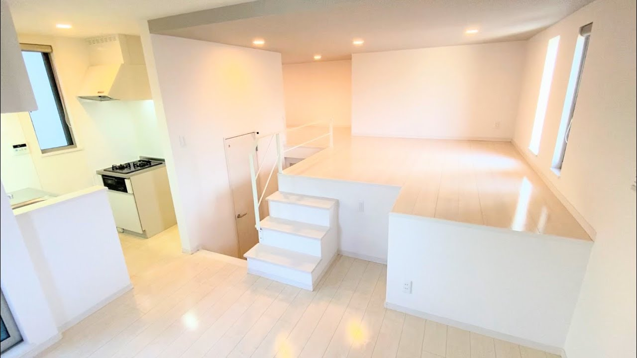 小部屋収納やステージっぽいロフトがある1LDK!3方向に窓があり日当たり良き【一人暮らしのお部屋紹介】