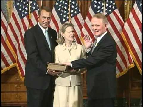 Congressman Lance is sworn into the 112th Congress
