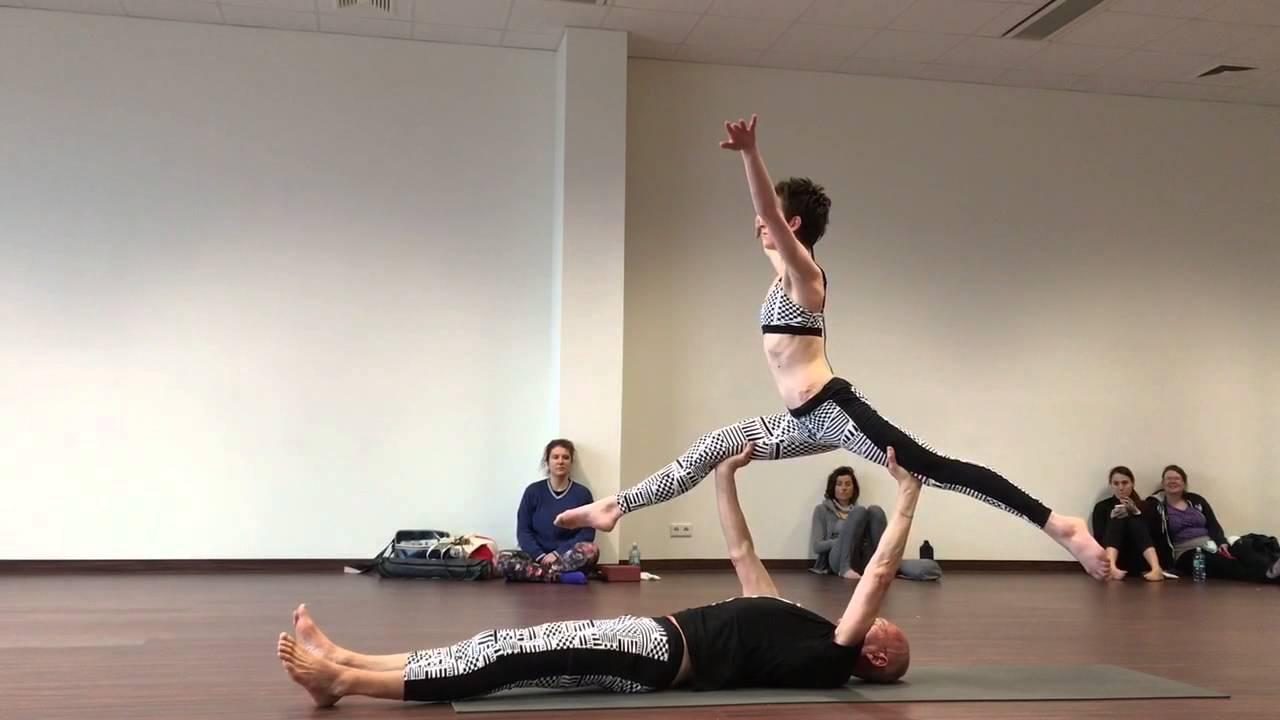 viena viena pentru yoga)