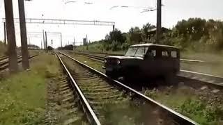 На Кубани Уаз попал под поезд