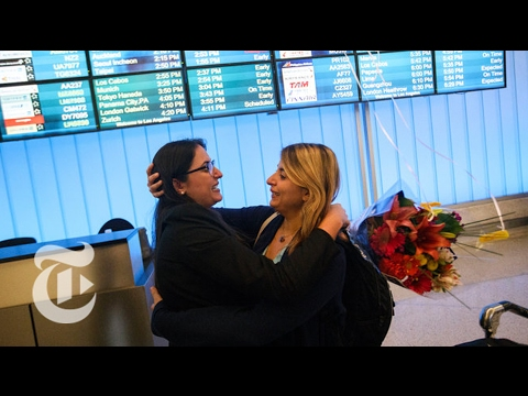 Foreigners Affected by Travel Order Reach U.S. | The New York Times