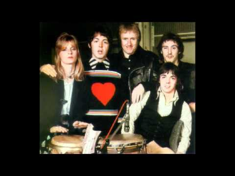Paul McCartney & Wings ~ Silly Love Sgs  1976