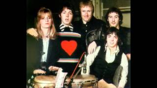 Paul McCartney & Wings ~ Silly Love Songs  (HQ)