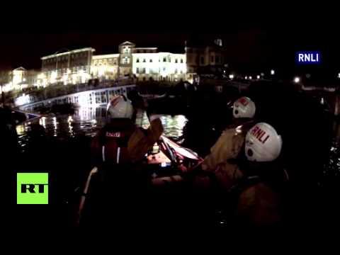 UK: River Thames classic boat restaurant SINKS