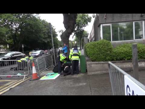 Irish Police Suppress Pro-Palestine Protest; Arrest 4 Outside Israeli Embassy, Dublin