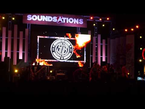 Scared of Bums feat Roy Djihard - Air Mata Api - Perform at Rockin' Mods, Mertasari Beach