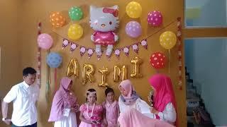 Ina permata sari menghadiri acara ulang tahun Adek Arini hidayati putri k 2 bpk dahruji dan b. Hanna