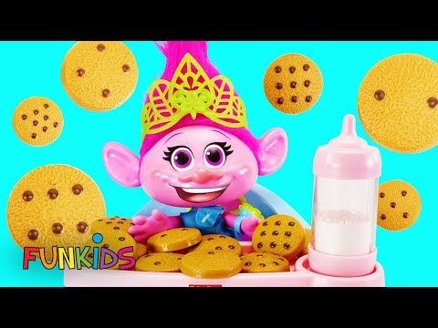 Trolls Poppy Eats Cookies and Milk With Paw Patrol in High Chair