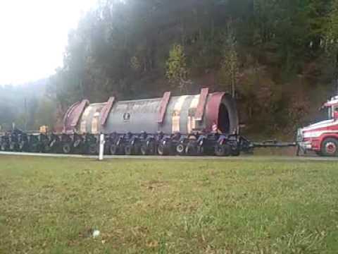 Énorme accident , perte du chargement convoi exceptionnel bitche, route défoncée.