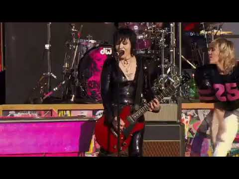 Miley Cyrus – Super Bowl pre game concert with Billy Idol and Joan Jett