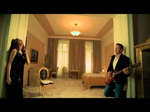 emina-jahovic-i-dzenan-loncarevic-beograd-prica-official-hd-video-spot