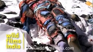 Dead body on Everest - South Col