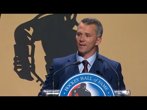 Martin St. Louis tears up at Hall of Fame induction
