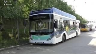 видео В Сургуте выпустили на линию первый электробус