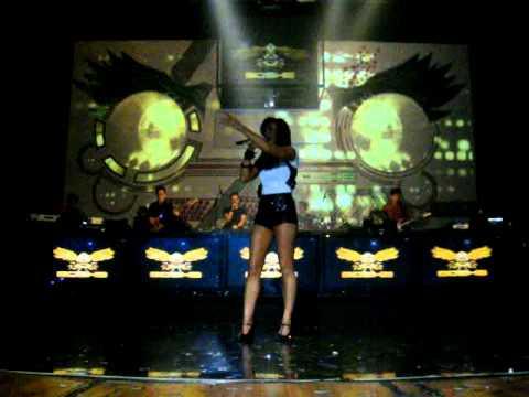 Agnes Monica - Cinta Di Ujung Jalan At Boshe BALI (28/10)