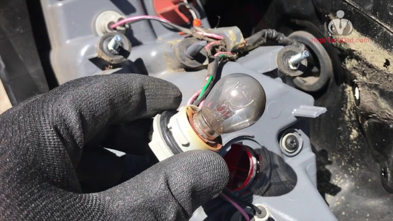 How To Easily Replace The Rear Brake Bulb On 2013 Hyundai Elantra Electrical Wiring Sedan