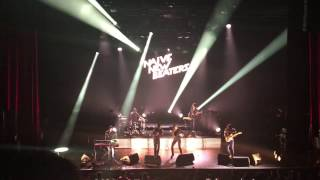 Naive New Beaters - Heal Tomorrow ft Izia @ Olympia, Paris, 23.03.17