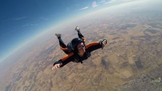 Learn to sky dive on an aff course