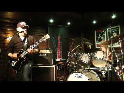 Midnight Blues - Graceland (2012)