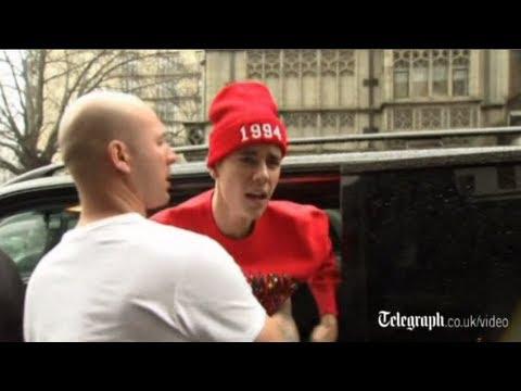 Justin Bieber lashes out at cameraman