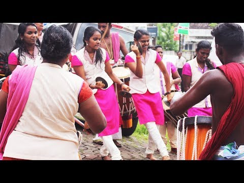 Young Kerala Girls dancing | Sinkari Melam...