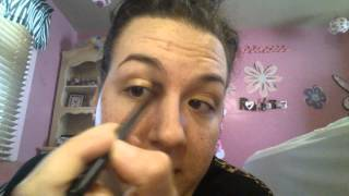 Too faced natural eye look: with teal eye liner Thumbnail