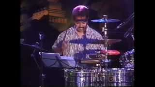 Mizalito(Timbales) VS Kenji Imafuku(Conga) Percussion solo battle with Mambossa'97