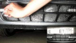 Nissan Almera. Часть №7. Подлокотник, чистка решётки бампера.