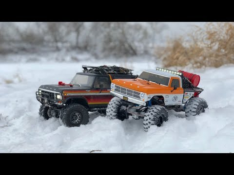 Traxxas TRX4 Bronco and Vaterra Ascender Ford F100 in Deep Snow and River