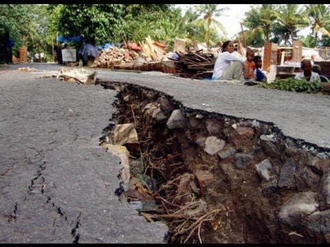 Gempa 2006 berkekuatan 59 Skala Richer mengguncang bumi Yogyakarta sekitar 57 detik menghancurkan ratusan ribu rumah dan menewaskan ribuan orang