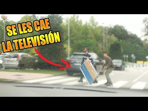 AIR HORNK PRANK ON PEOPLE! (He drops the TV)