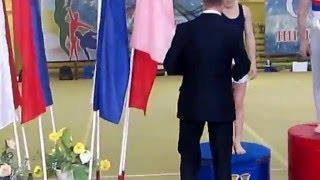 Ганжела Родион награждается золотой медалью за занятое 1 место. Брянск. Март 2016.