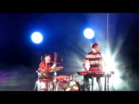 Matt & Kim - Good Ol' Fashion Nightmare (Live @ the Fox Theatre in Oakland)