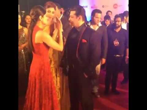 Salman Khan Gives Hug Shilpa shetty & Shamita Shetty Mp3