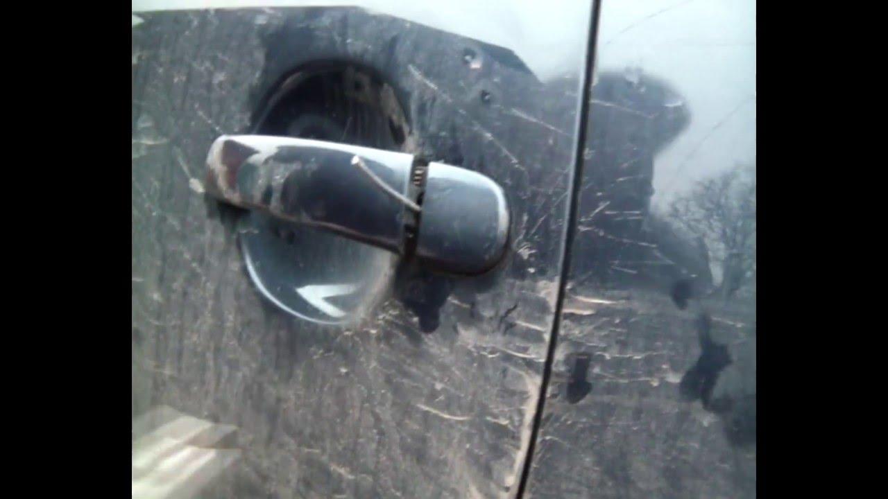 как открыть заблокированную дверь автомобиля фольксваген