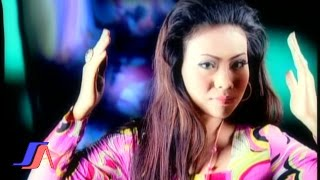 Video Wawa Marisa - Mengejar Badai (Official Music Video) download MP3, 3GP, MP4, WEBM, AVI, FLV Desember 2017
