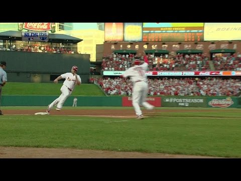 2011 NLDS Gm4: Freese