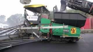 VÖGELE MT 3000-2i Offset und SUPER 3000-2 mit SB 300 TP1 - Berlin, Deutschland