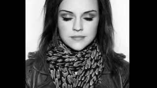 Two worlds Amy Macdonald