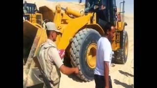 قناة السويس الجديدة :الجيش المصرى العظيم يوزع وجبات على العاملين بالقناة