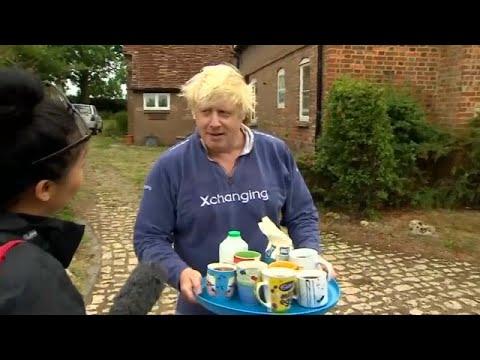Boris Johnson, accusato di islamofobia, offre the ai giornalisti