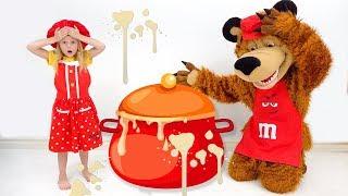 Stacy and the bear make porridge