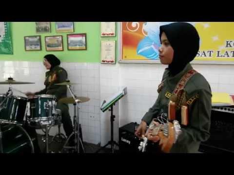 Band Wanita RELA Terbaik
