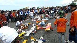 Terbang bersama 37 Pesawat RC AeroModelling sekaligus at Jogja Air Show